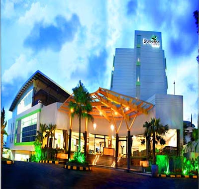 Airport Hotel Inn Suites Parking
