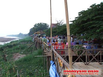 Vientiane river restaurants