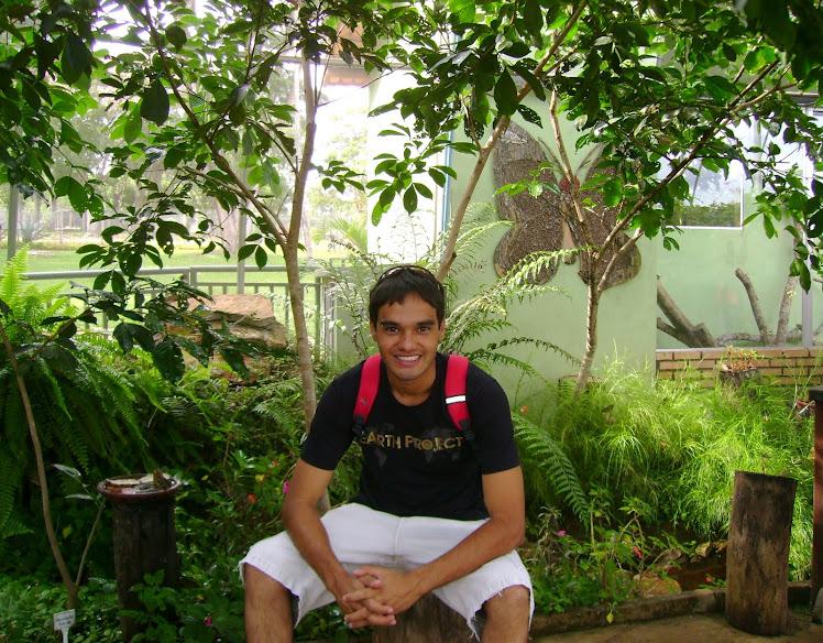 Meu Reginaldo no Zoo Bsb. Momento feliz... Que Deus esteja sempre com você meu amor!