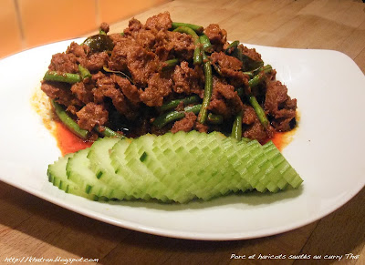 Sauté de porc et haricots au curry Thaï