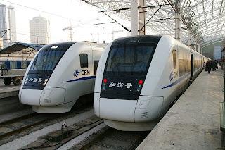 上海火車站に停車している動車組 CRH1