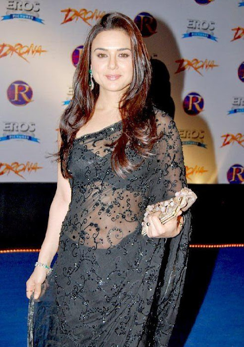 preity zinta in saree actress pics