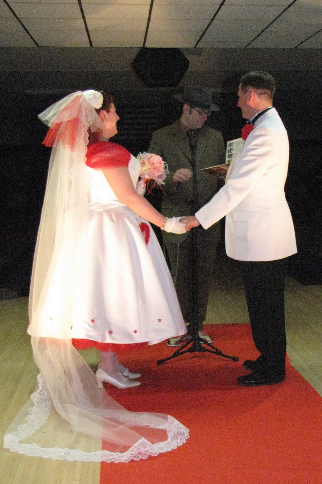 Tart deco vintage glamour retro style plus size for Plus size rockabilly wedding dresses