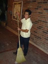 Edgar Flores, trabajando en los convivios
