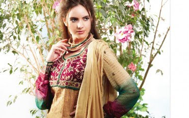 Hairstyles For Short Hair On Salwar Suits : Hair Styles Short Hair: Embroidered Printed Salwar Kameez