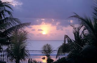 gambar_sunset_Pantai_Kute