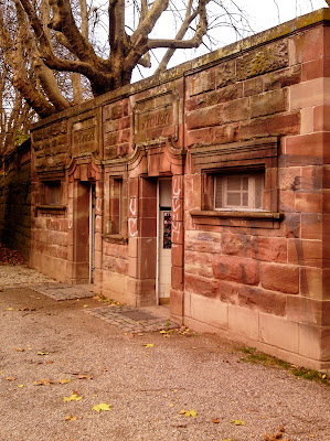 toilets, red sandstone,