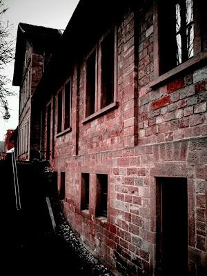 red brick,