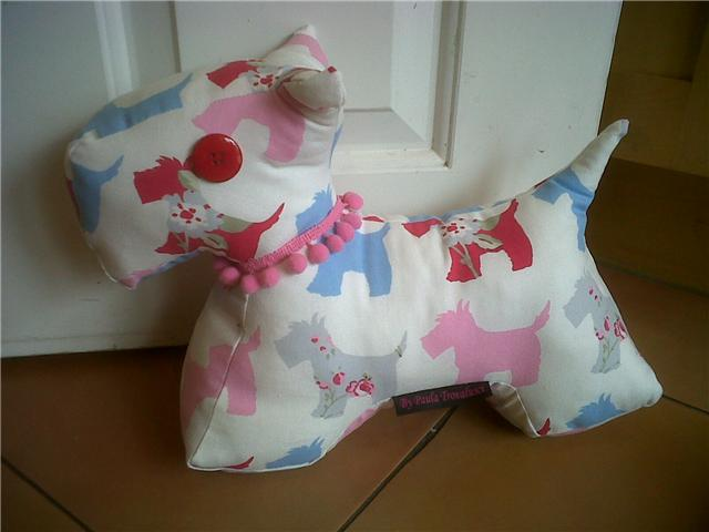 FreeSpirit Fabric: Scottie Dog Pattern!