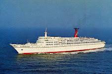 """O nostálgico navio """"Hamburg"""" e a pirotecnia Alemã"""
