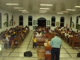 Pastor Paulo Lomba Compartilhando a Palavra de Deus