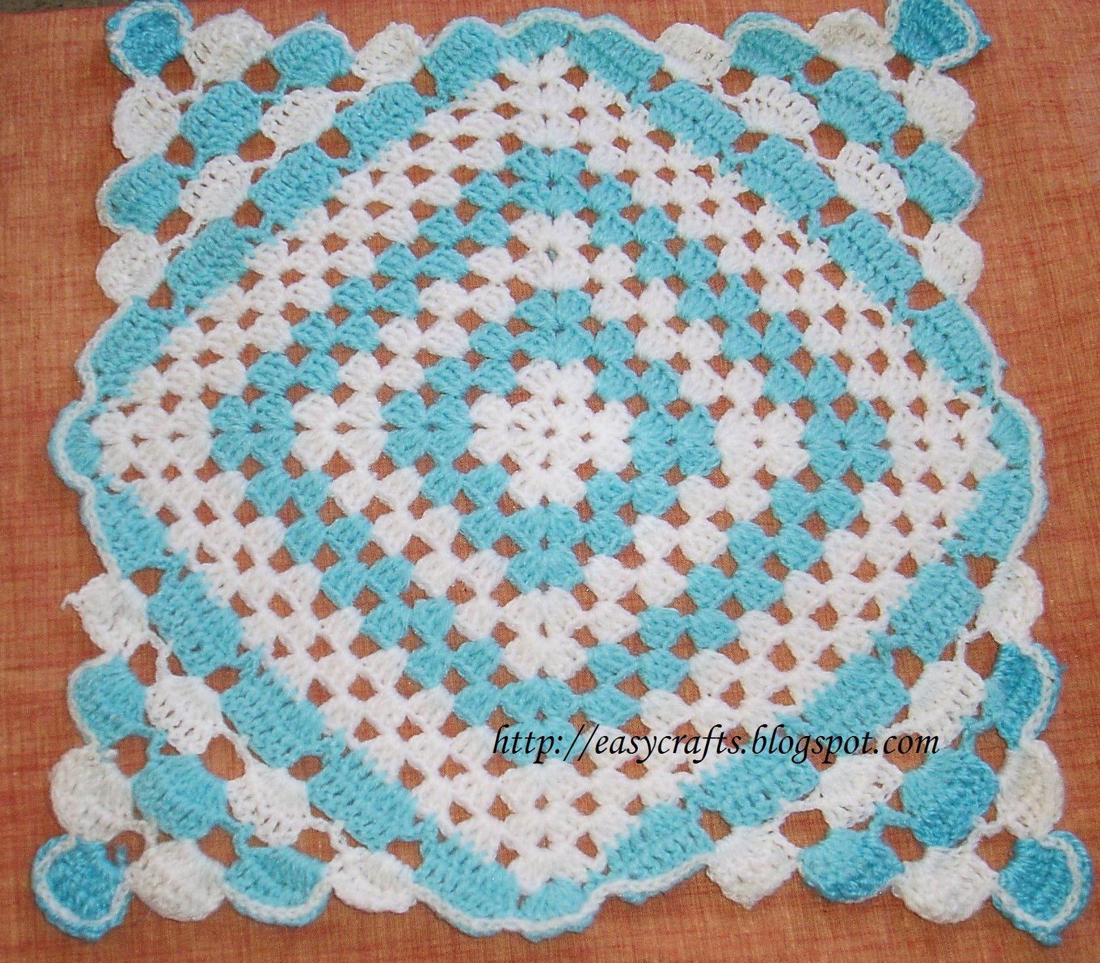 Crocheting Squares : Easy Crafts - Explore your creativity: Crochet Square pattern