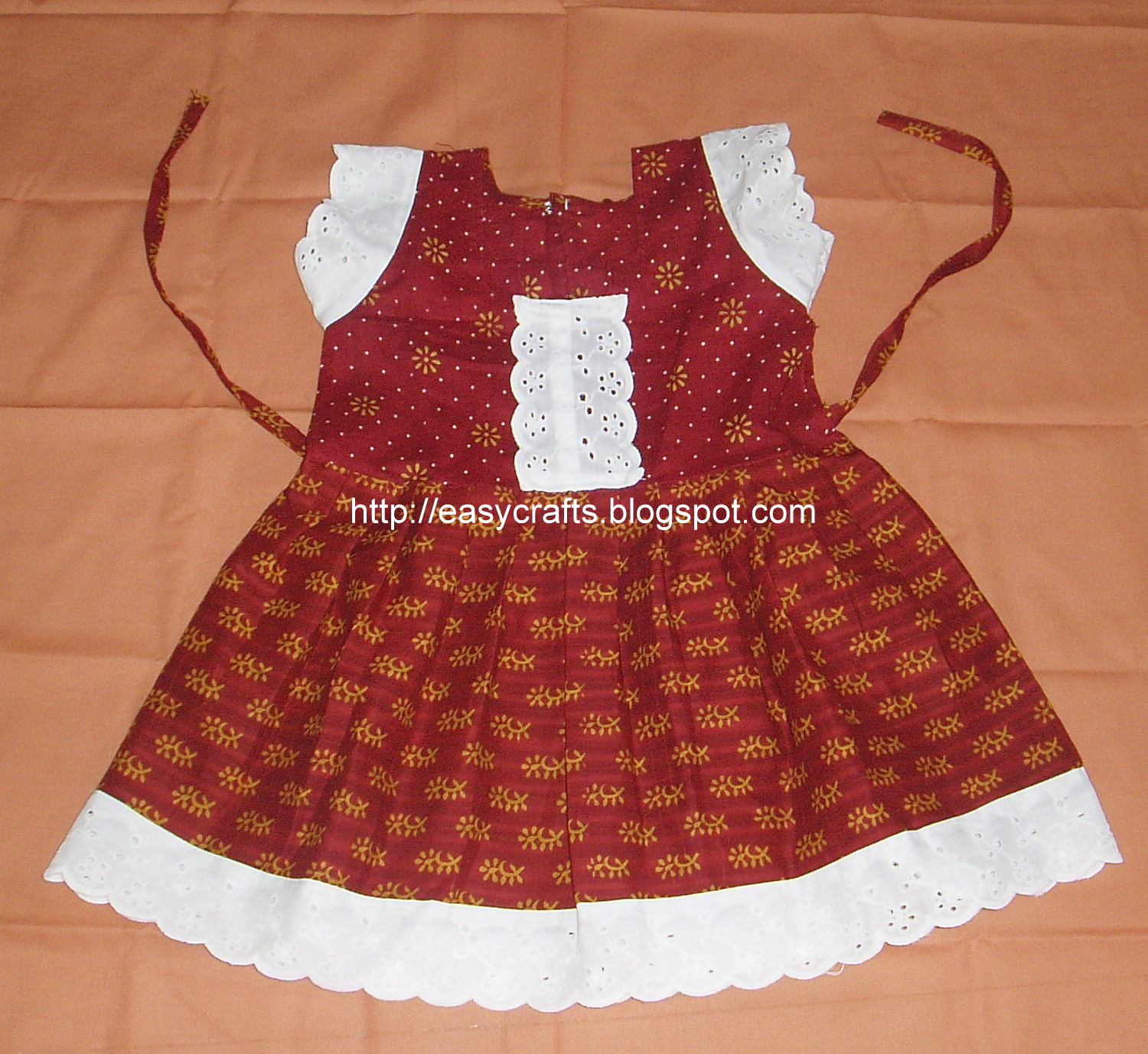 Baby Girls Frocks http://easycrafts.blogspot.com/2011/03/girl-baby-frock.html