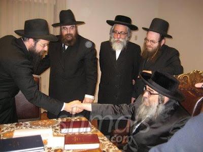http://2.bp.blogspot.com/_sMA1Zd6ZRqw/SXPrDK5wn8I/AAAAAAAACmc/bc4ij2mY-q4/s400/chabad%2Bsatmar.jpg