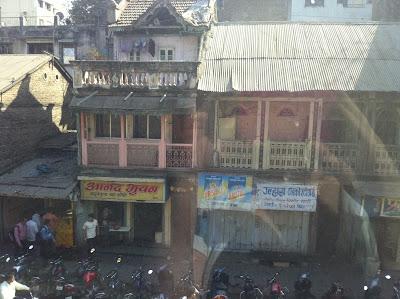 Pune India street scene camp