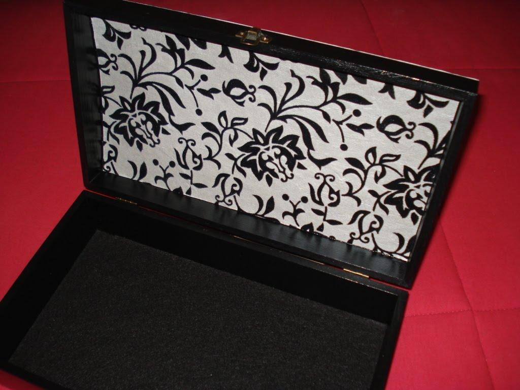Caixa de madeira pintada com tina acrílica decorada com papel de  #831620 1024x768