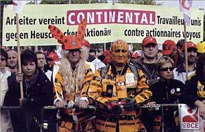 les Continental français défilent avec leurs collègues allemands à Hanovre
