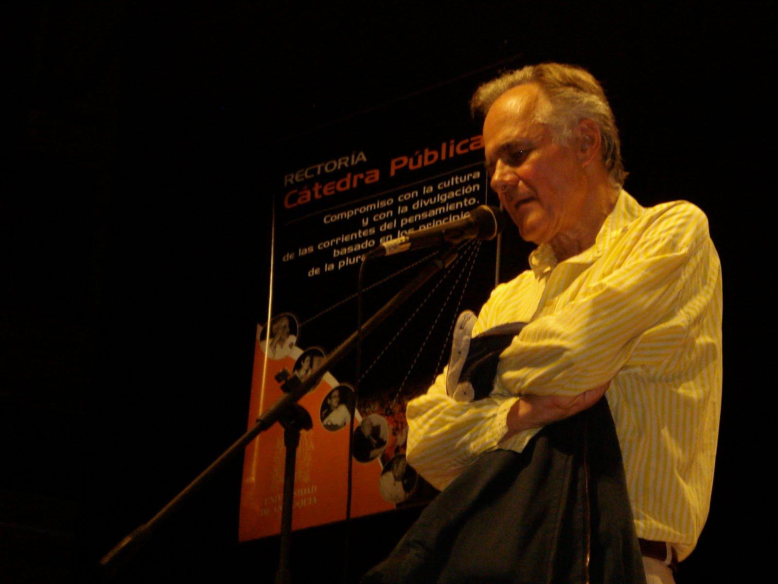 escritor colombiano