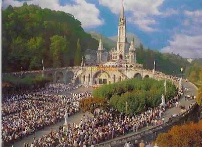 http://2.bp.blogspot.com/_sRAI2cKes3M/SZTfemw5TsI/AAAAAAAADRM/a9vc7z_RJYg/s400/Virgen+de+Lourdes+Santuario+2.jpg