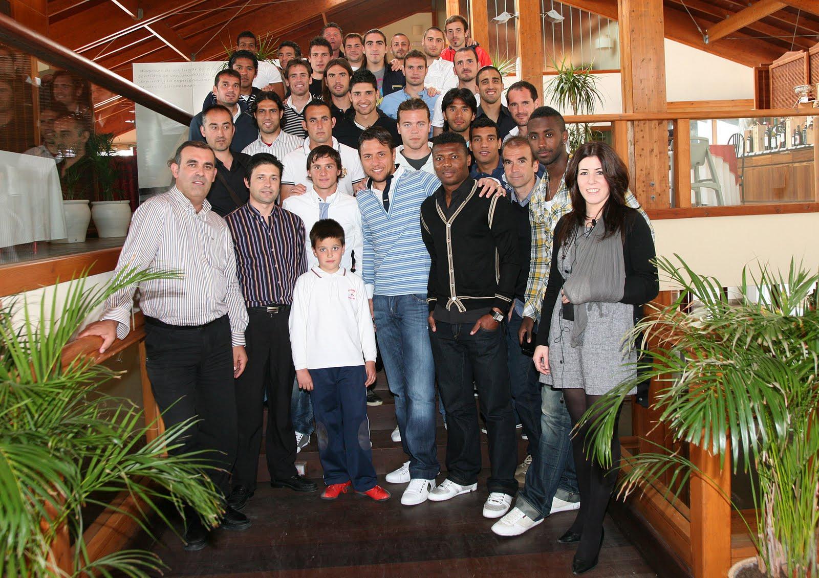 La uni n deportiva almer a apoya la iniciativa del grupo restauraci n gaby men solidario por - Muebles la union almeria ...