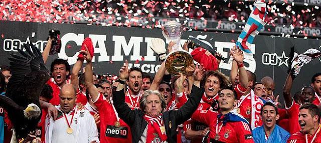Benfica campeão pela 32ª vez! Albert-montanes-estoril09a