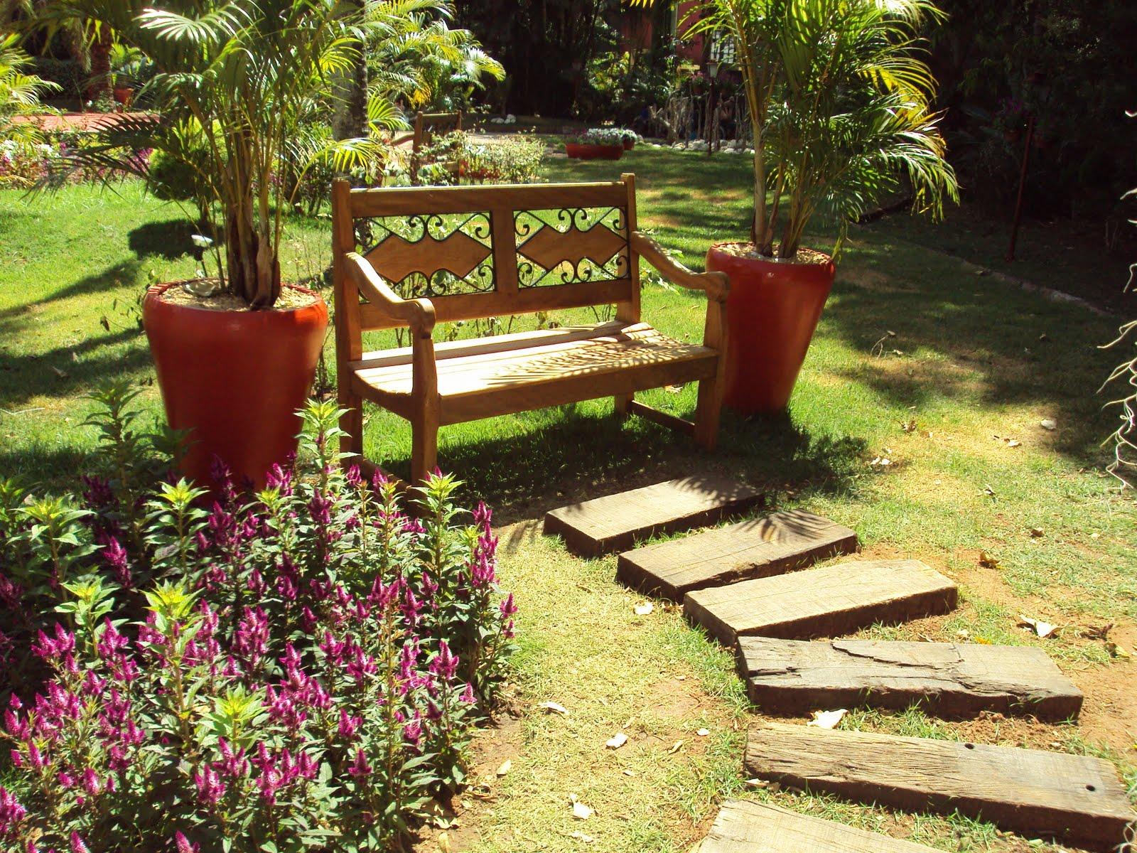 ideias jardins grandes:Decorando Com Arte: Vários cantinhos para o seu jardim