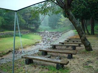 雨降る湯船森林公園