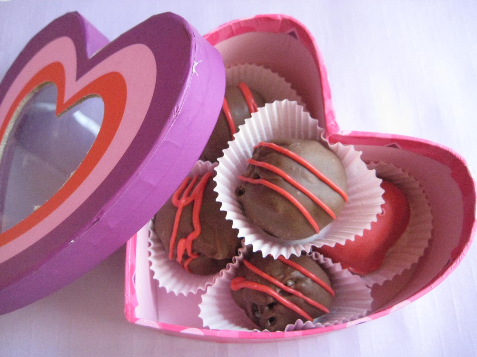 Valentineu0027s Day Cake Balls