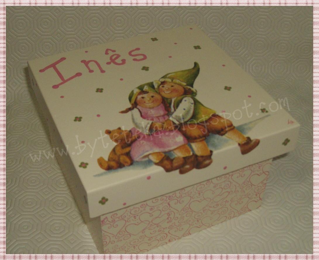 ByTeteka: Caixa de madeira 'Meninos felizes' #6F462E 1091x889