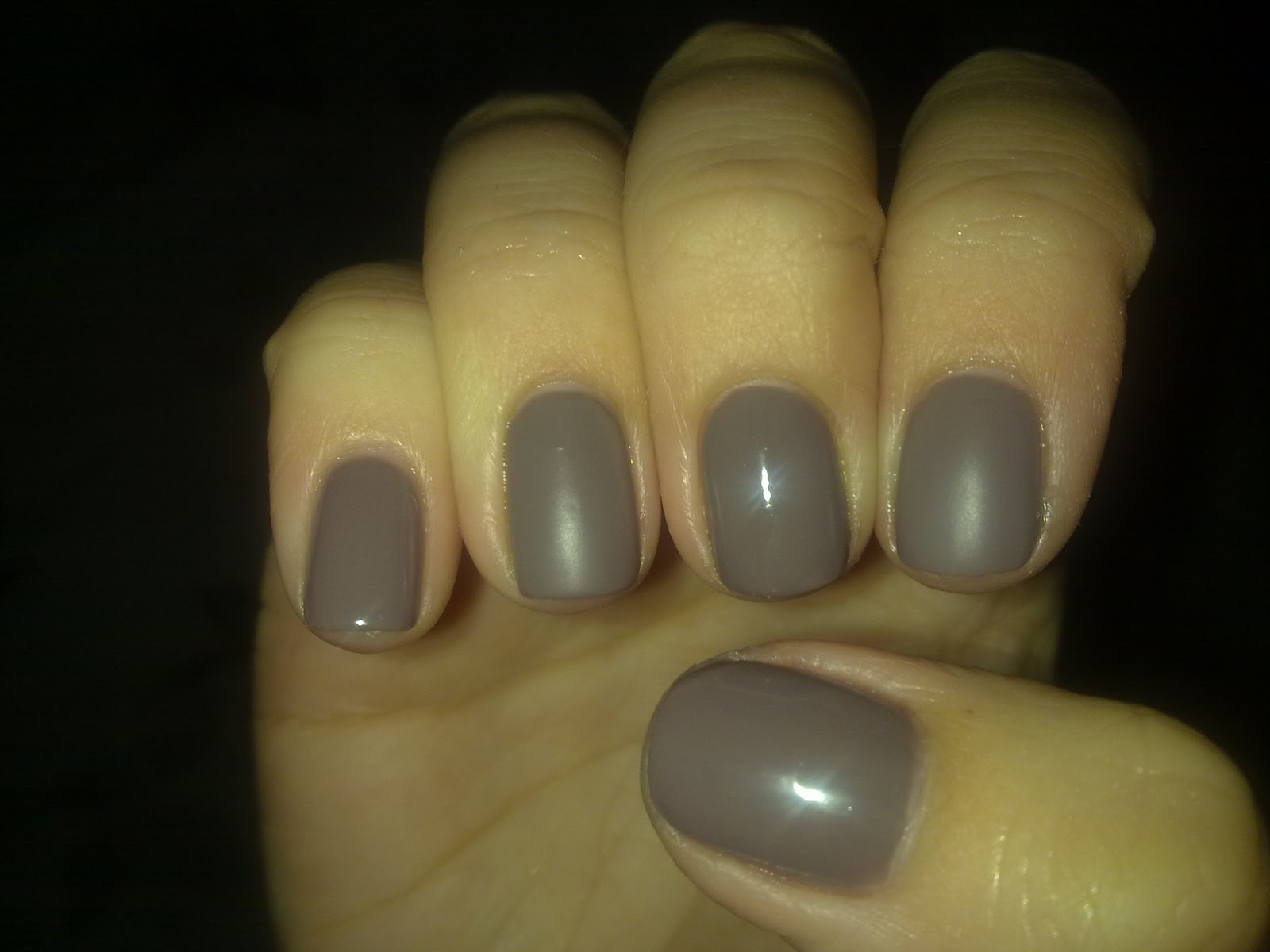 030120112175 Military Style Manicure