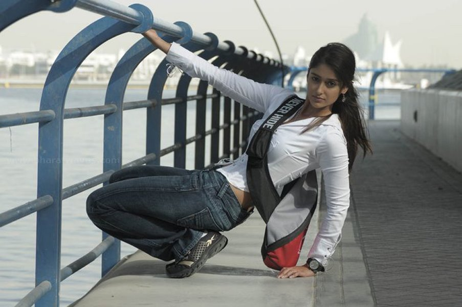 hot latest images of ileana