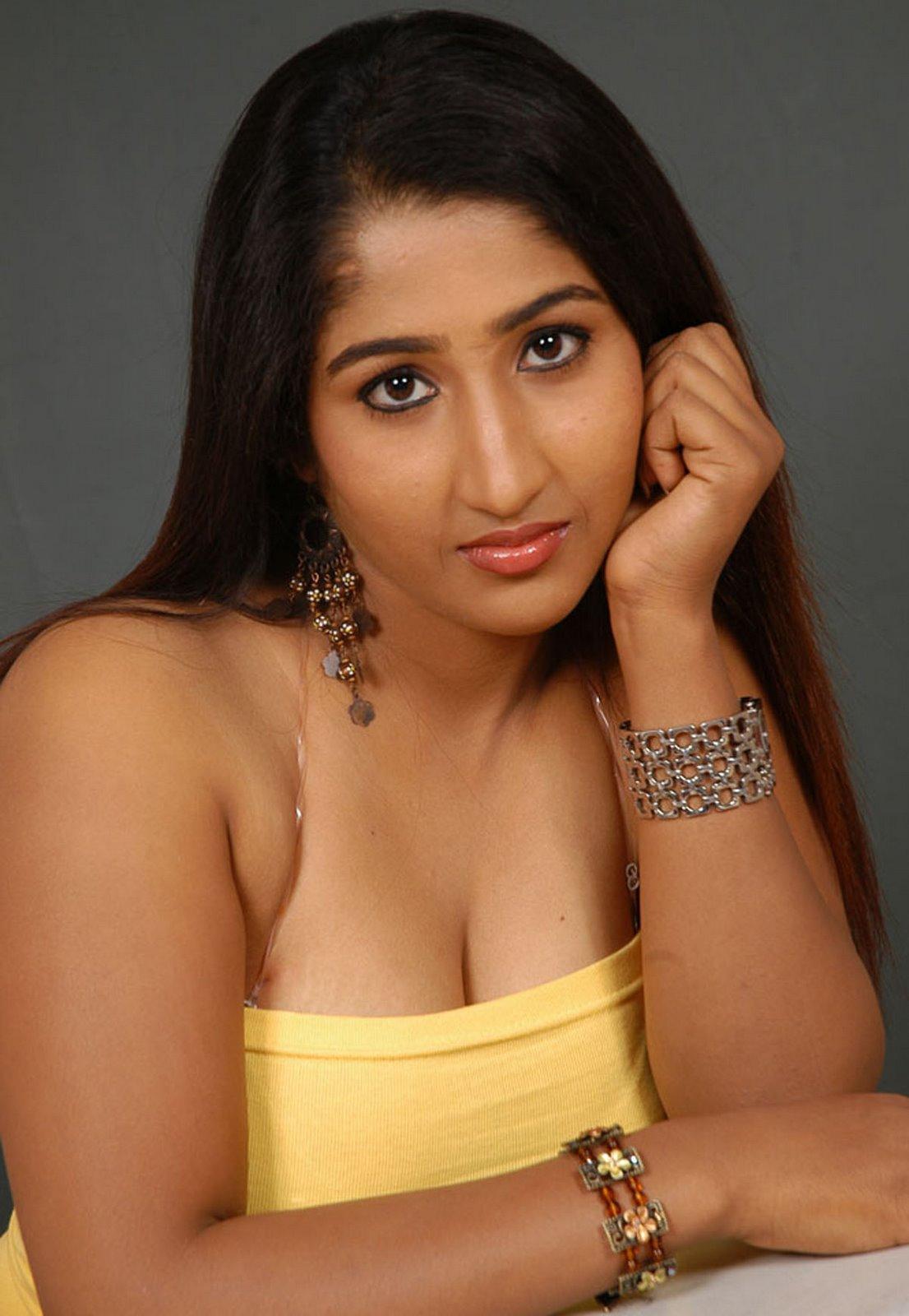 http://2.bp.blogspot.com/_sWvD24wJnx8/ShKidKplF4I/AAAAAAAAAoQ/SrGd4PqUc9I/s1600/kavya%252Bhot%252Bn%252Bspicy%252Bmasala%252Bactress%252Bof%252Bsouth%252Bindia.JPG