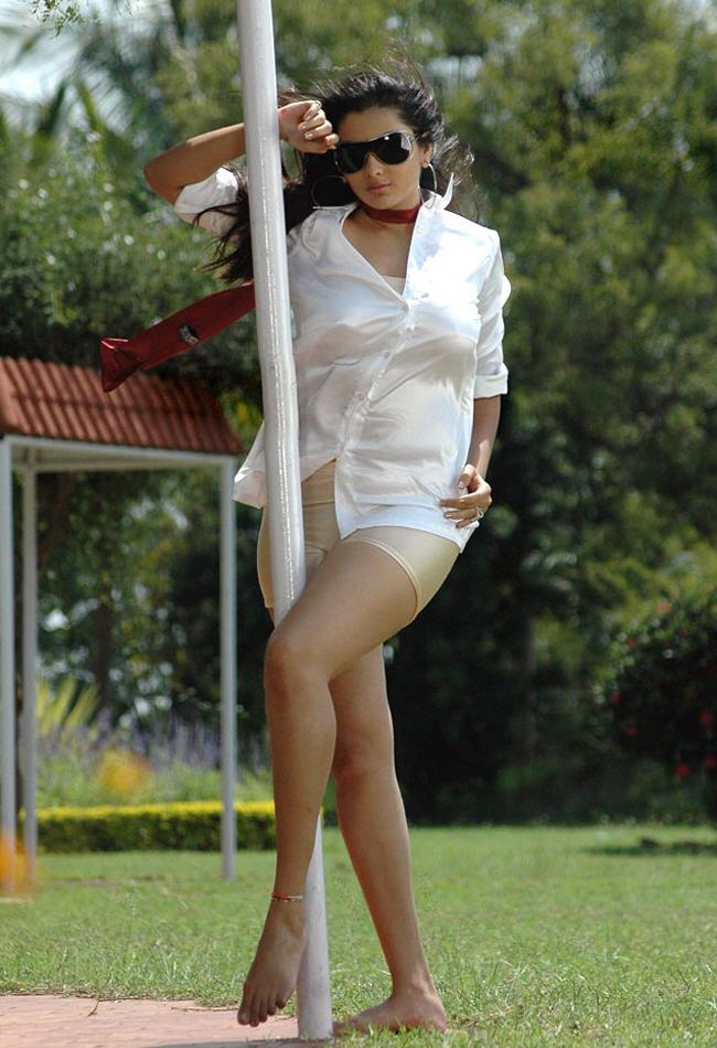 hot mallu masala actress n amitha latest images