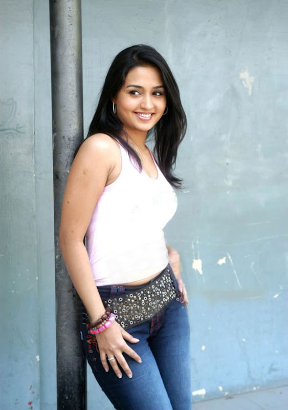 hot masala actress gajala is away from success