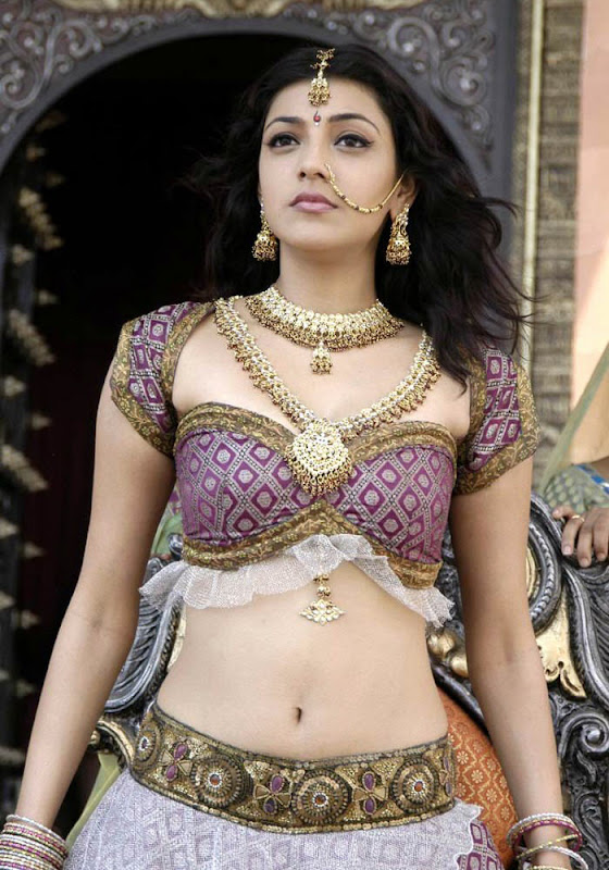 kajal agrawal hot exposing pics boobs and navel