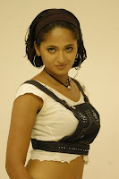 anushka hot exposing stills
