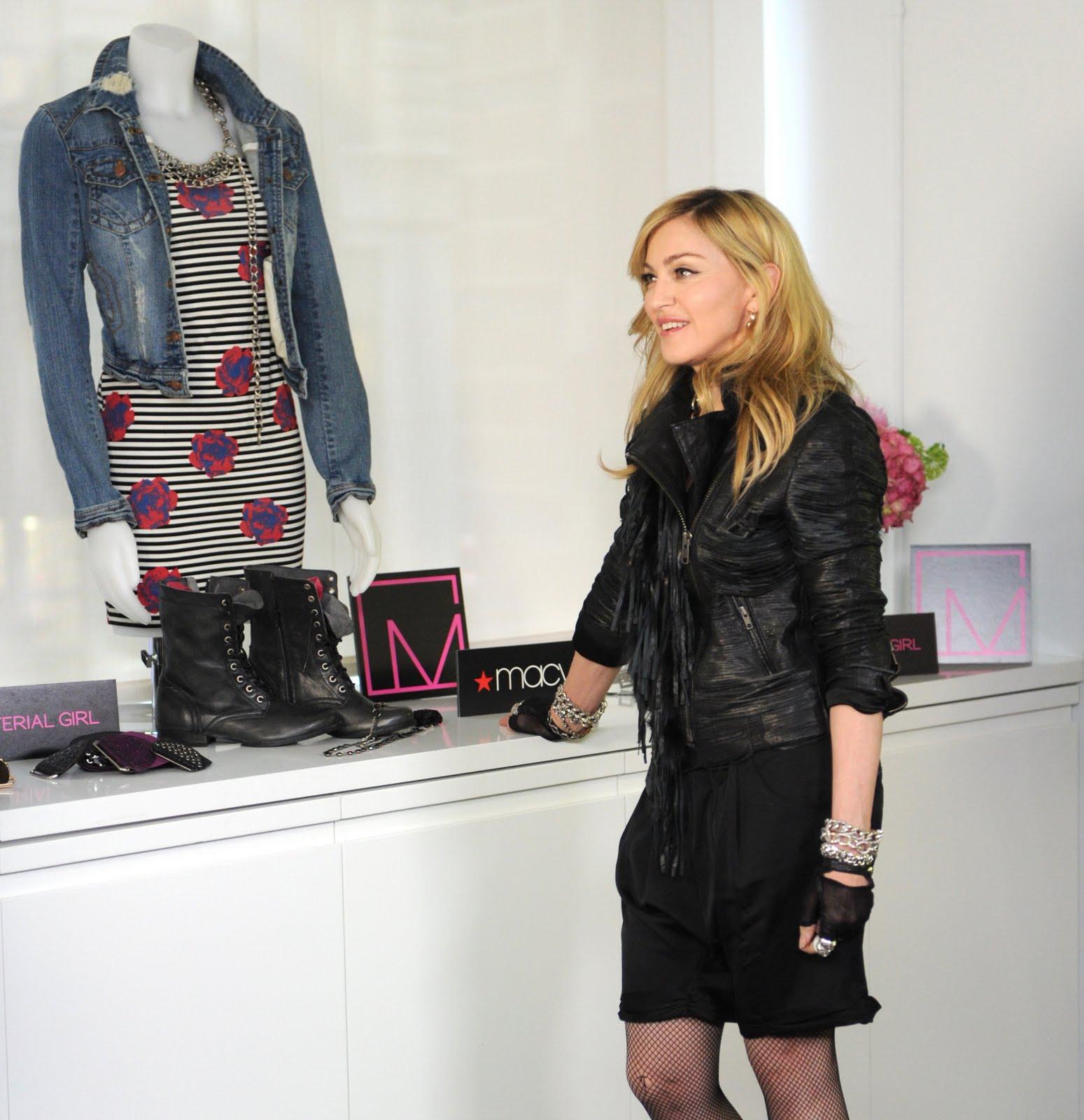 http://2.bp.blogspot.com/_sX-7kCVz-uk/TFWk-d2NDBI/AAAAAAAABdw/nPo6ohcarCE/s1600/Madonna-3.JPG.jpeg