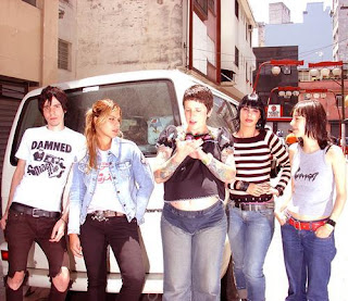 banda de rock feminino Lava