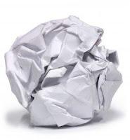 arma branca: bolinha de papel