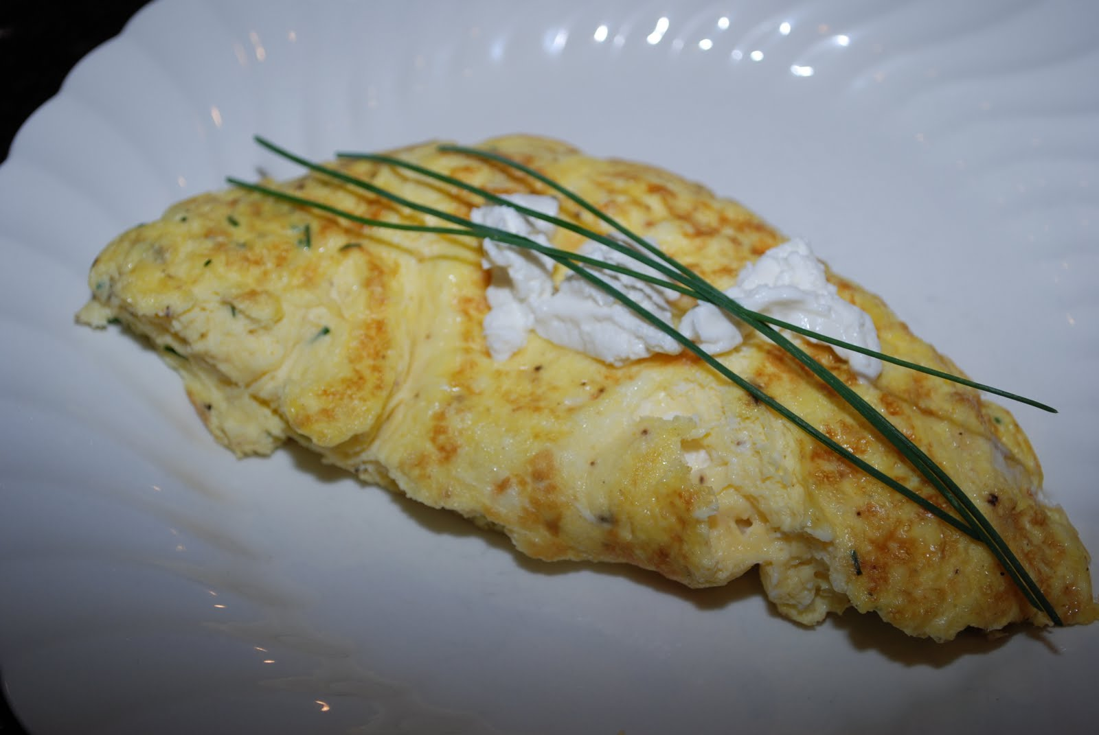 The Flying Foodie: Goat Cheese & Chive Omelet