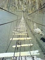 Jembatan Berbahaya