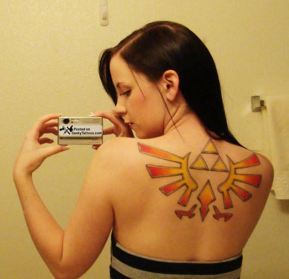 Stenulfs kvinnliga motsvarighet Jaqqis-zelda-triforce-tattoo-thumb-572xauto-111114