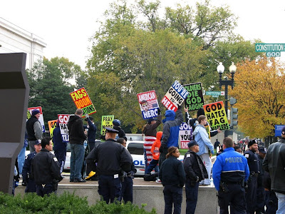 Anti-veteran demonstrators