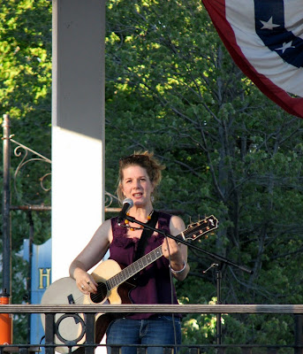 Dar Williams playing in Cold Spring, NY