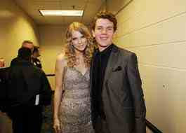 Taylor Swift Brother on Taylor Swift And Her Brother  Austin Swift