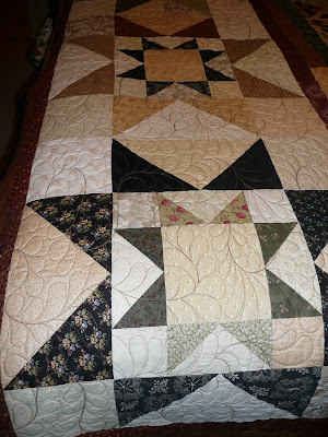 Friday Free Quilt Patterns: Sweater Weather Bed Runner
