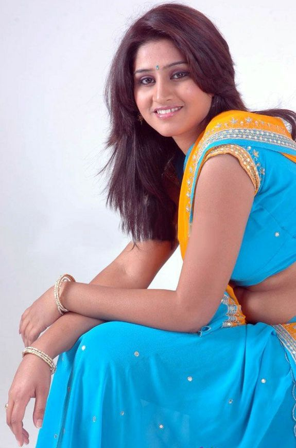 [Hyderabad-Model-Shamili-Pics-02.jpg]