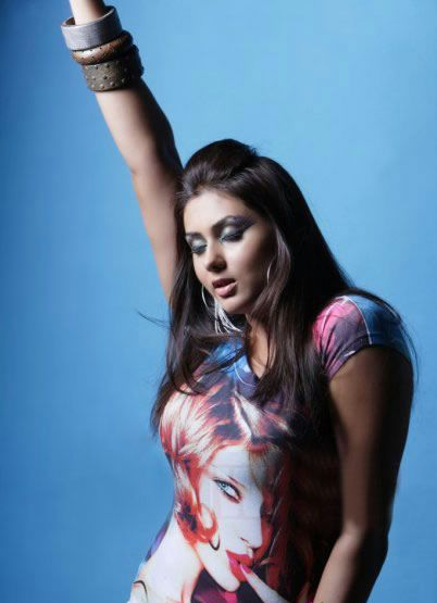 South Hottie Namitha - Mega thread - Page 2 Namitha-latest-hot-photos-pics-stills-04
