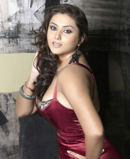 South Hottie Namitha - Mega thread - Page 2 Namitha-latest-hot-photos-pics-stills-01