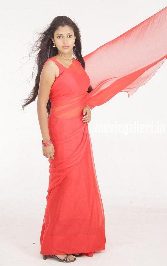 http://2.bp.blogspot.com/_sb9yp2CsJVU/S6rIXThUy9I/AAAAAAAASRg/yVwKY7Kifj0/s1600/actress-amala-paul-sindhu-samaveli-movie-stills-07.jpg